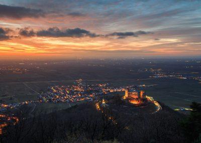 Hambacher Schloss lange vor Sonnenaufgang