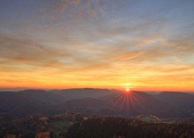 Sonnenuntergang über der Burg Fleckenstein