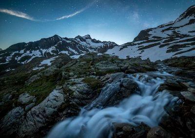 Wasserfall bei Nacht am Sustenpass